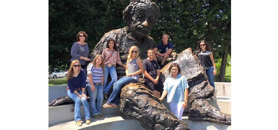 4-H Citizenship Washington Focus participants visit the Einstein memorial.