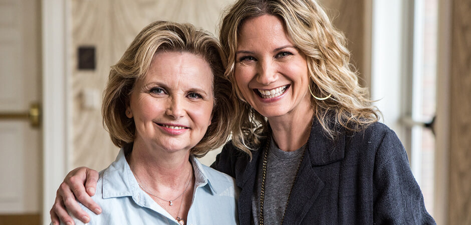4-H alumni Jennifer Nettles and her mom