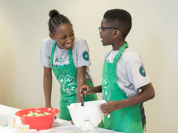4-H youth cooking
